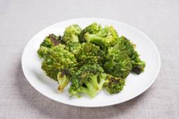 Gebratene Brokkoli mit Oliven Öl, Chili und Knoblauch