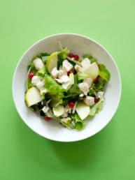 Salat mit Hühnerbrust Streifen, Johannisbeere und Grüner Apfel