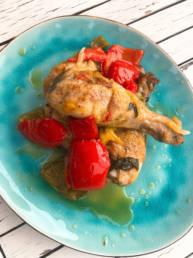 Hähnchen mit Paprika und mediterranen Kräutern