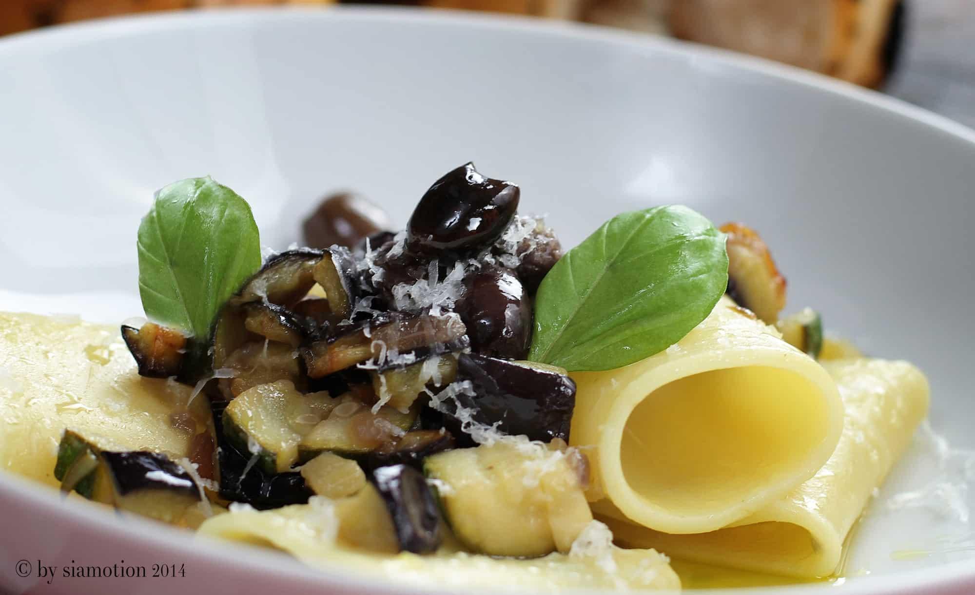 Paccheri Pasta mit Mediterranem Gemüse