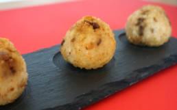 Neapolitanische Reisbällchen mit Steinpilzen